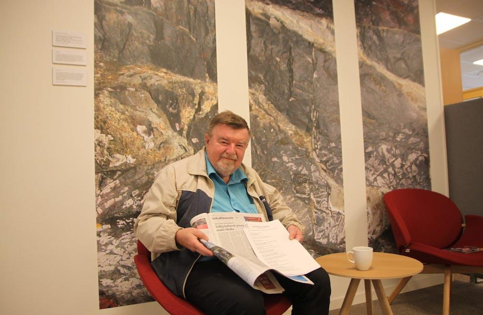 60 bidrag: Tormod Halvorsen har skrevet 60 lokalhistoriske tekster i Kanalen siden 2017. Her viser han frem den siste i rekken.